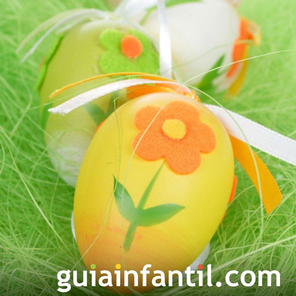 Decoración de huevos de Pascua con fieltro