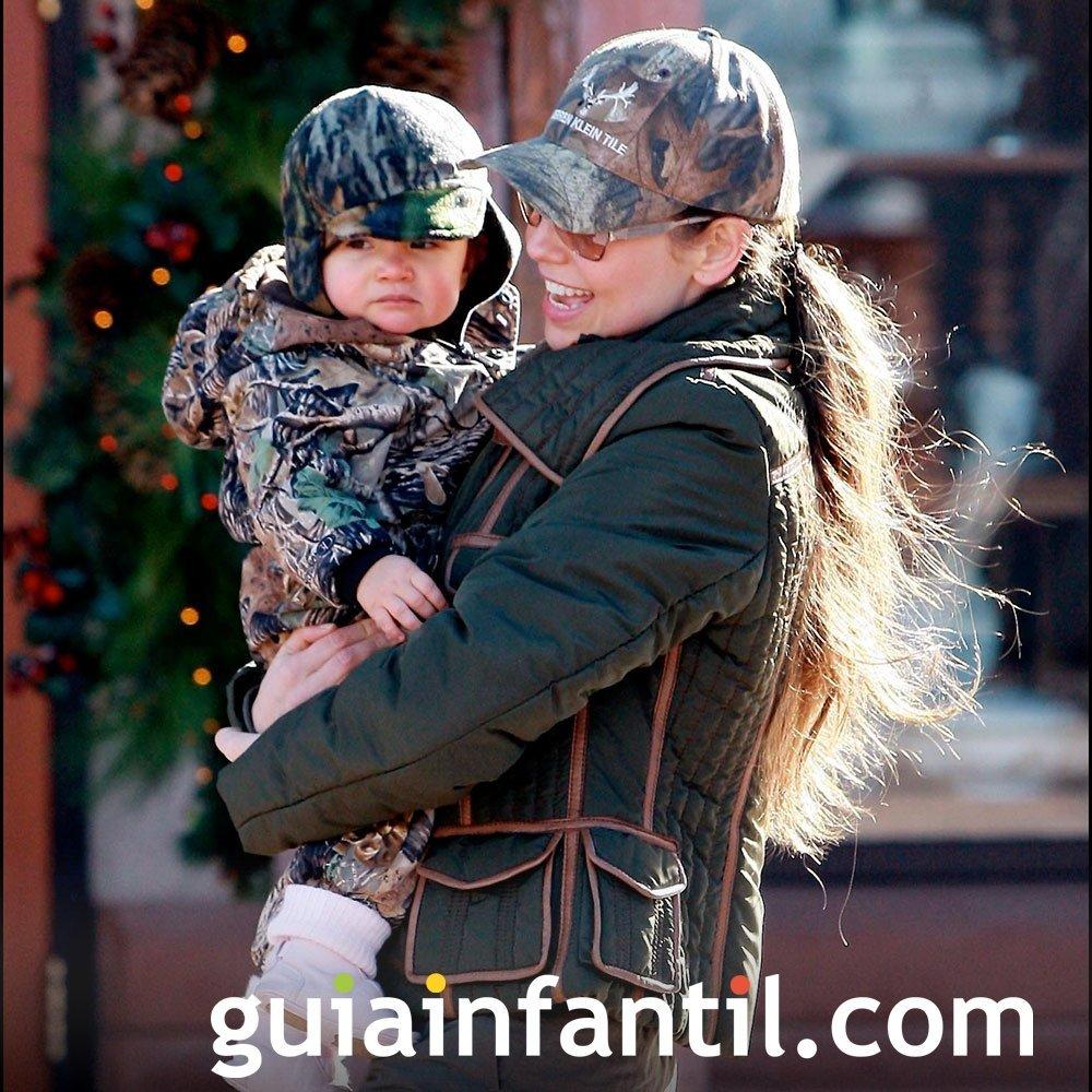 Thalía convierte a su hija en protagonista de un cuento