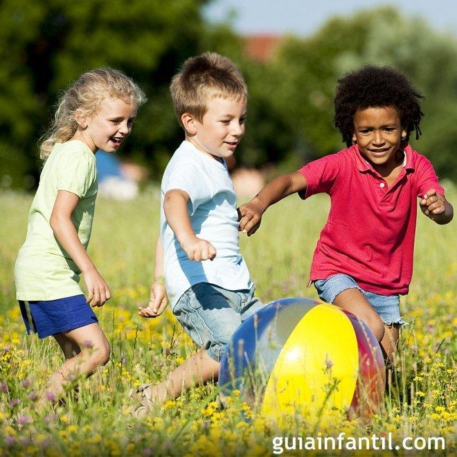Jugar en equipo hace más tolerante al niño
