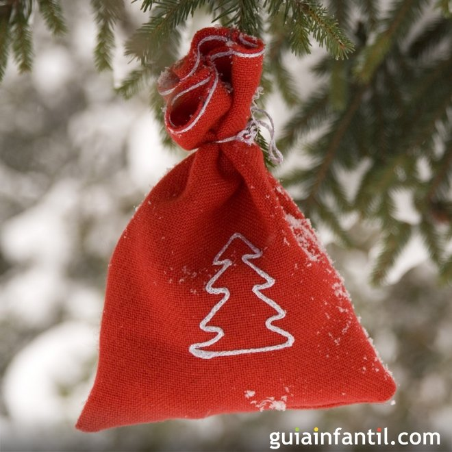 Bolsitas de tela para colgar al árbol navideño