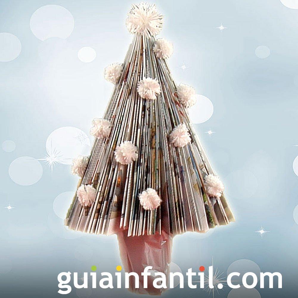Cómo hacer un árbol de Navidad con una revista