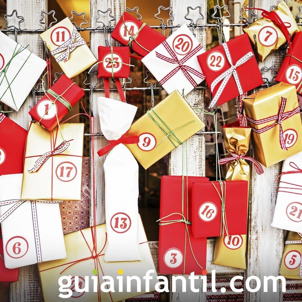 Calendario navideño hecho de regalos