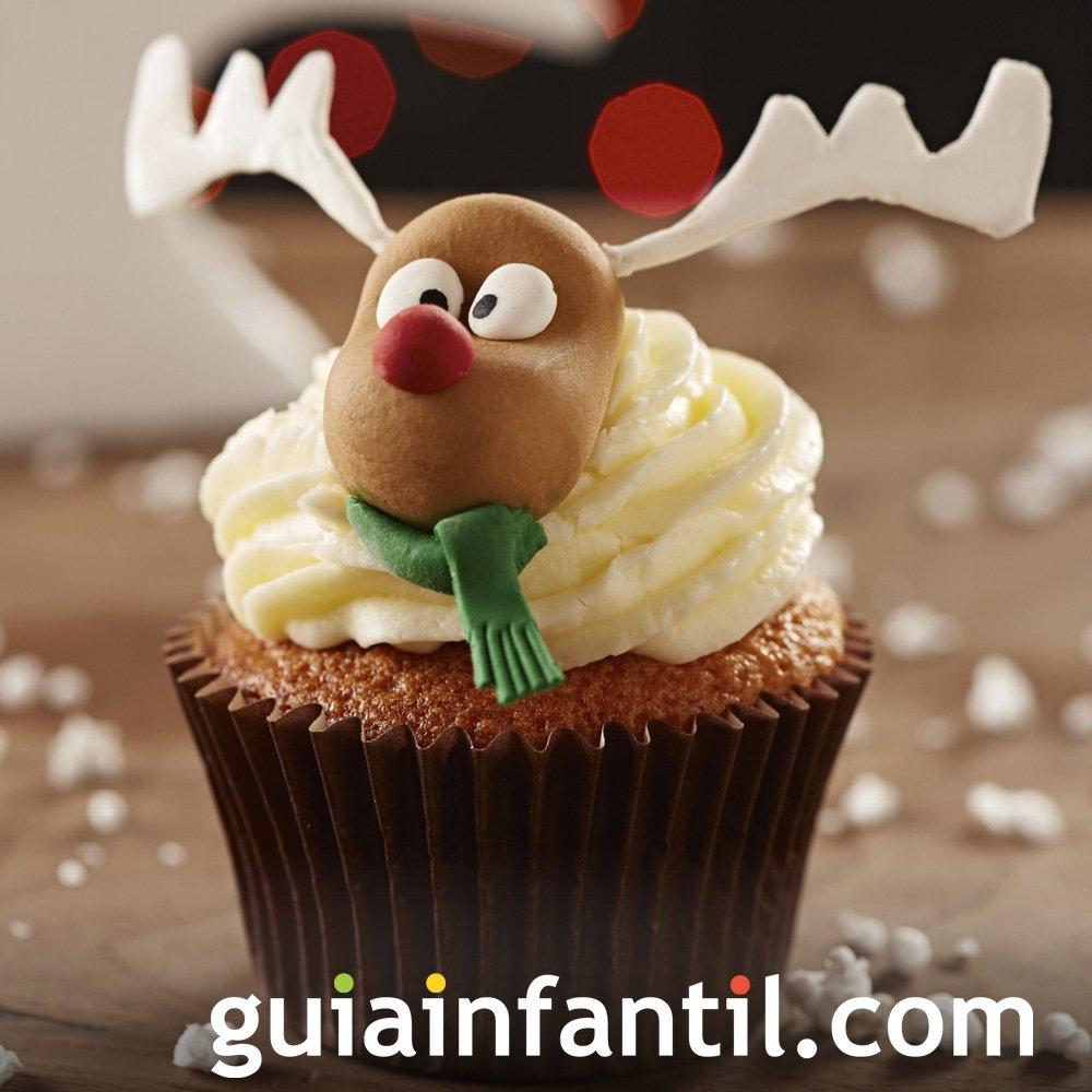 Cupcake con la cara del reno Rodolfo