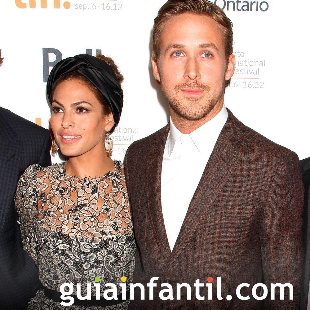 Eva Mendes y Ryan Gosling, padres felices de una niña