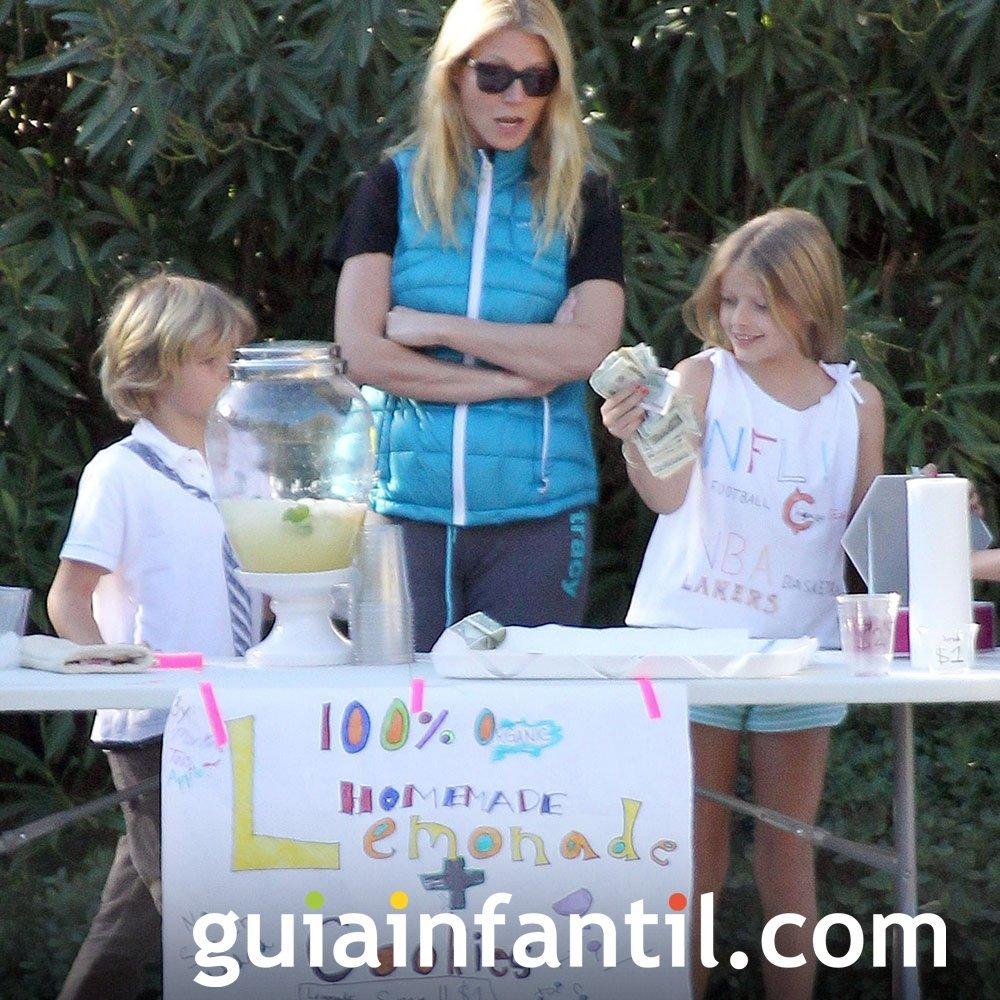 Gwyneth Paltrow y sus hijos montan un mercadillo de limonada