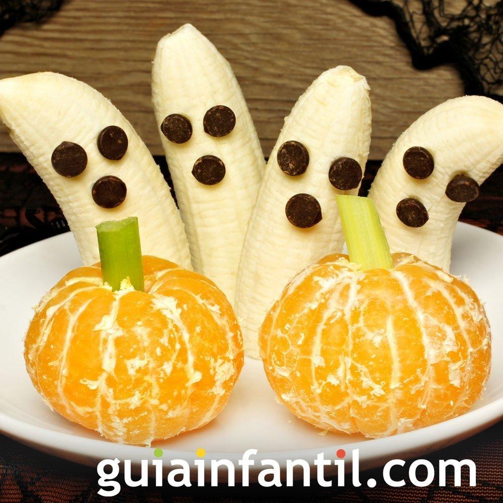 Frutas disfrazadas de fantasmas y calabaza de Halloween