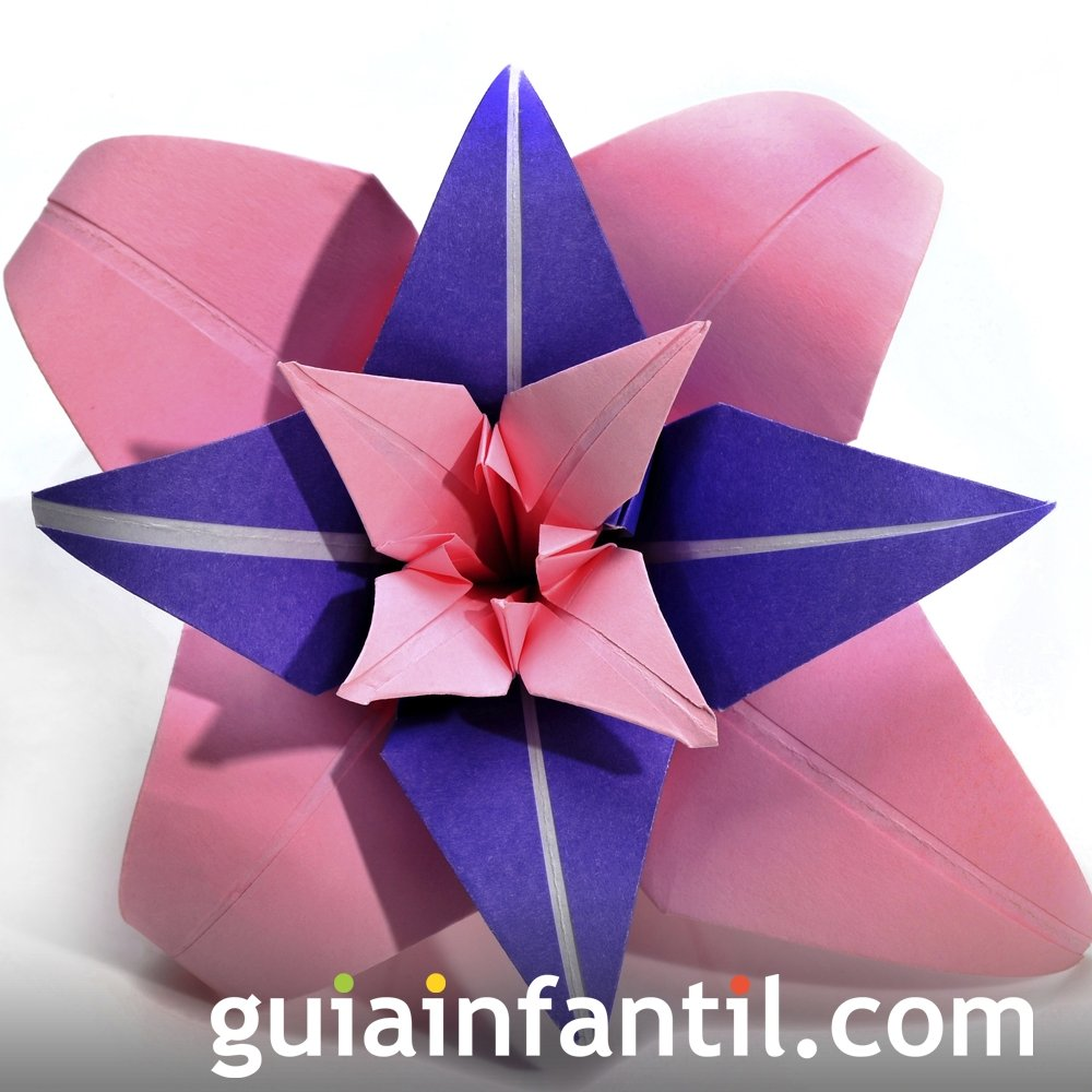 Flor de origami. Manualidades infantiles
