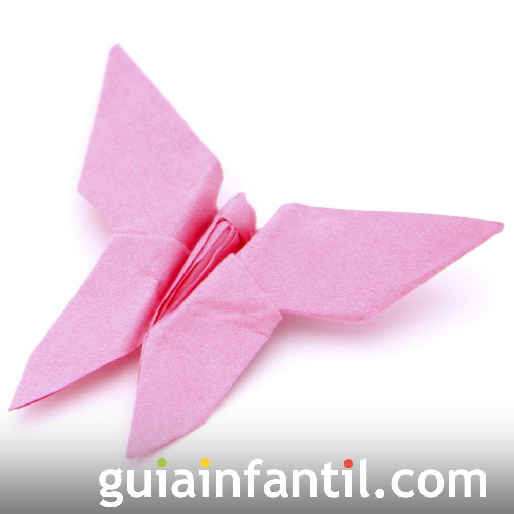Mariposa de papel. Hacer manualidades de origami
