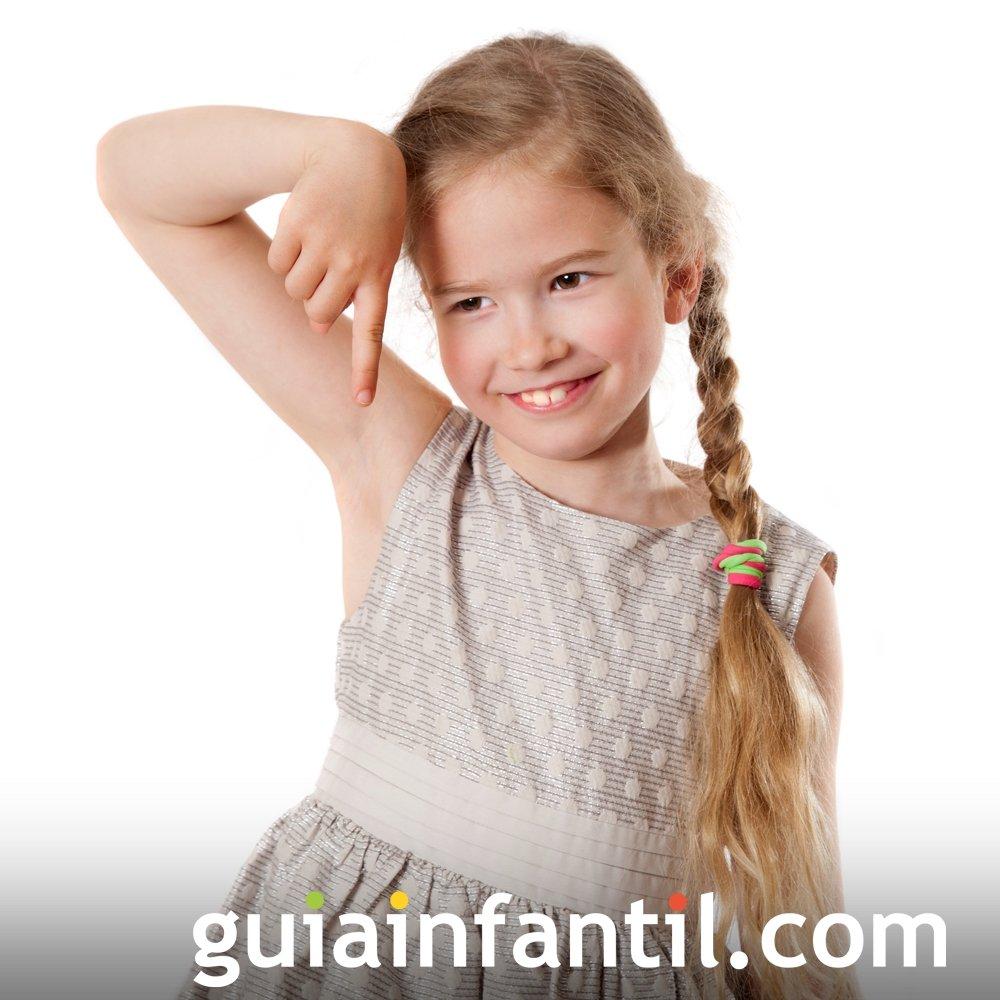 Trenza lateral con coleta. Peinados para niñas