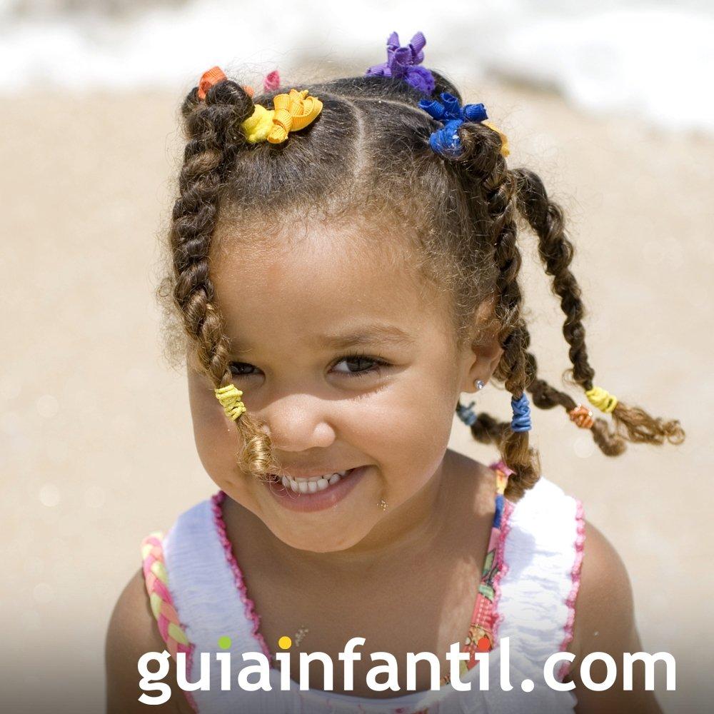 Peinados para niñas. Coletas con trenza