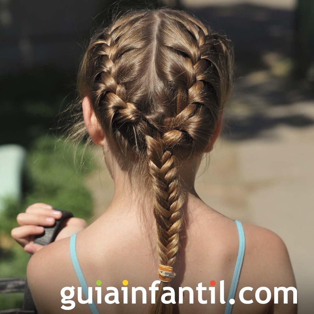 Peinados para niñas. Recogido de dos trenzas