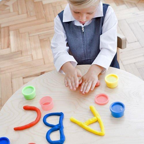 Aprender el abecedario con plastilina