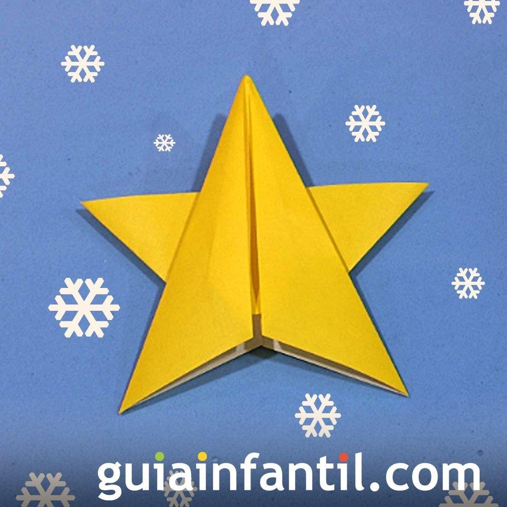 Estrella navideña en papiroflexia