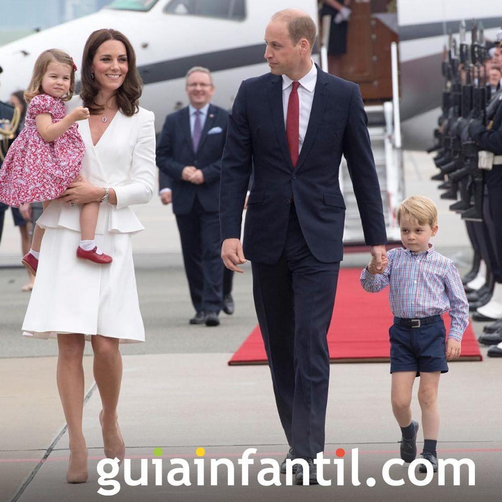 Los Duques de Cambridge esperan un bebé para el 2018