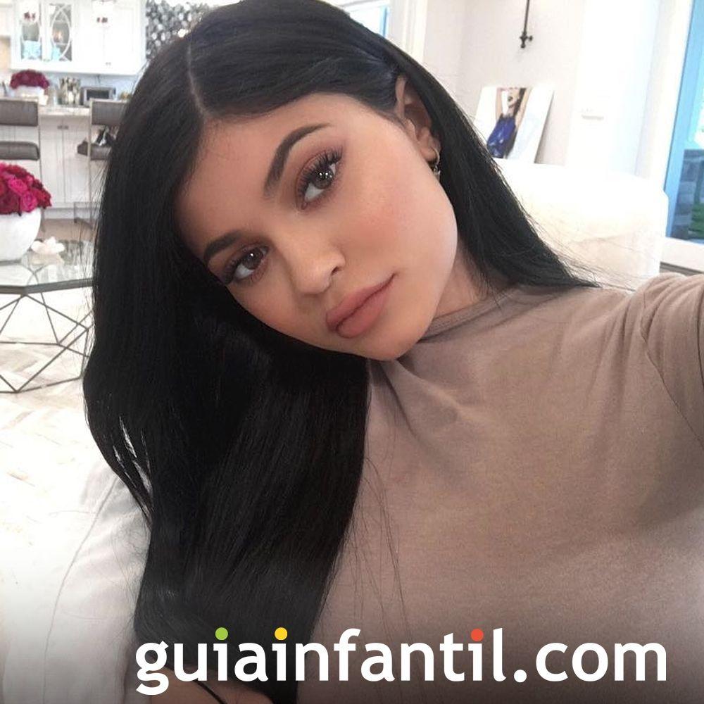 Kylie Jenner tendrá a su primer hijo en 2018