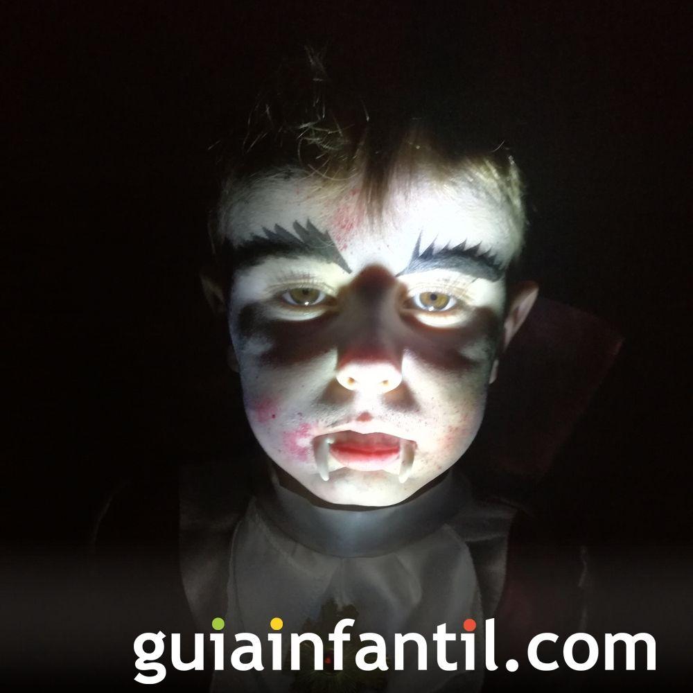 Drácula, el disfraz para Halloween de Raúl