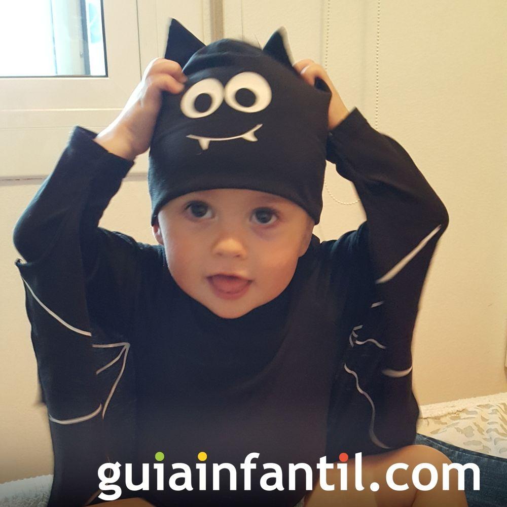 Adrían, el disfraz de murciélago más tierno de Halloween