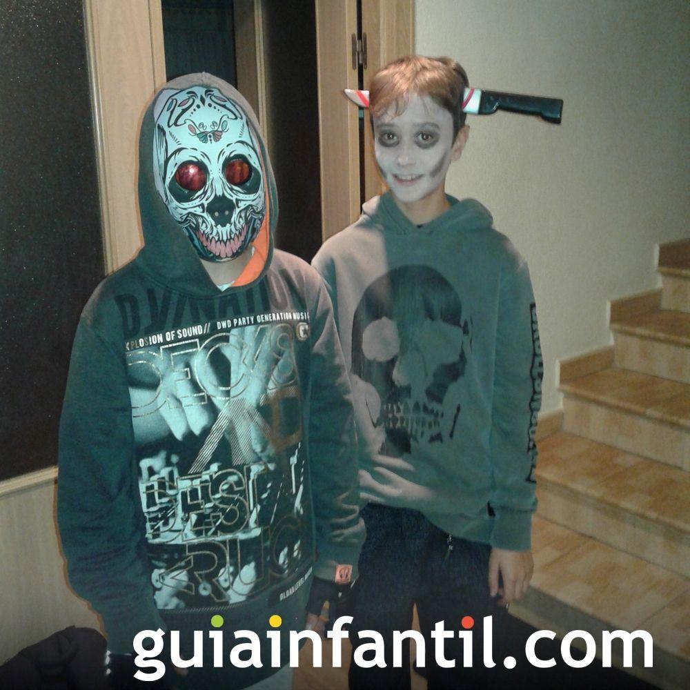 Hugo y Valentín, disfrazados para Halloween