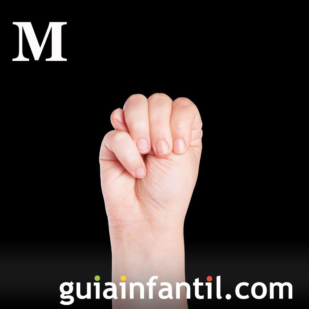 Letra M. Cómo hacer la letra M con las manos