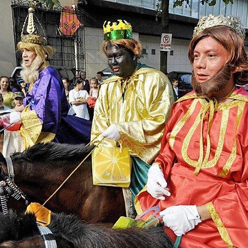 Los Reyes Magos a caballo en Manila (Filipinas)