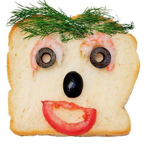 Sándwich con cara de gambas y verduras