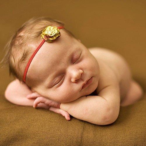 La bebé más hippie durmiendo