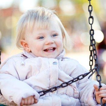 Protección solar en parques infantiles