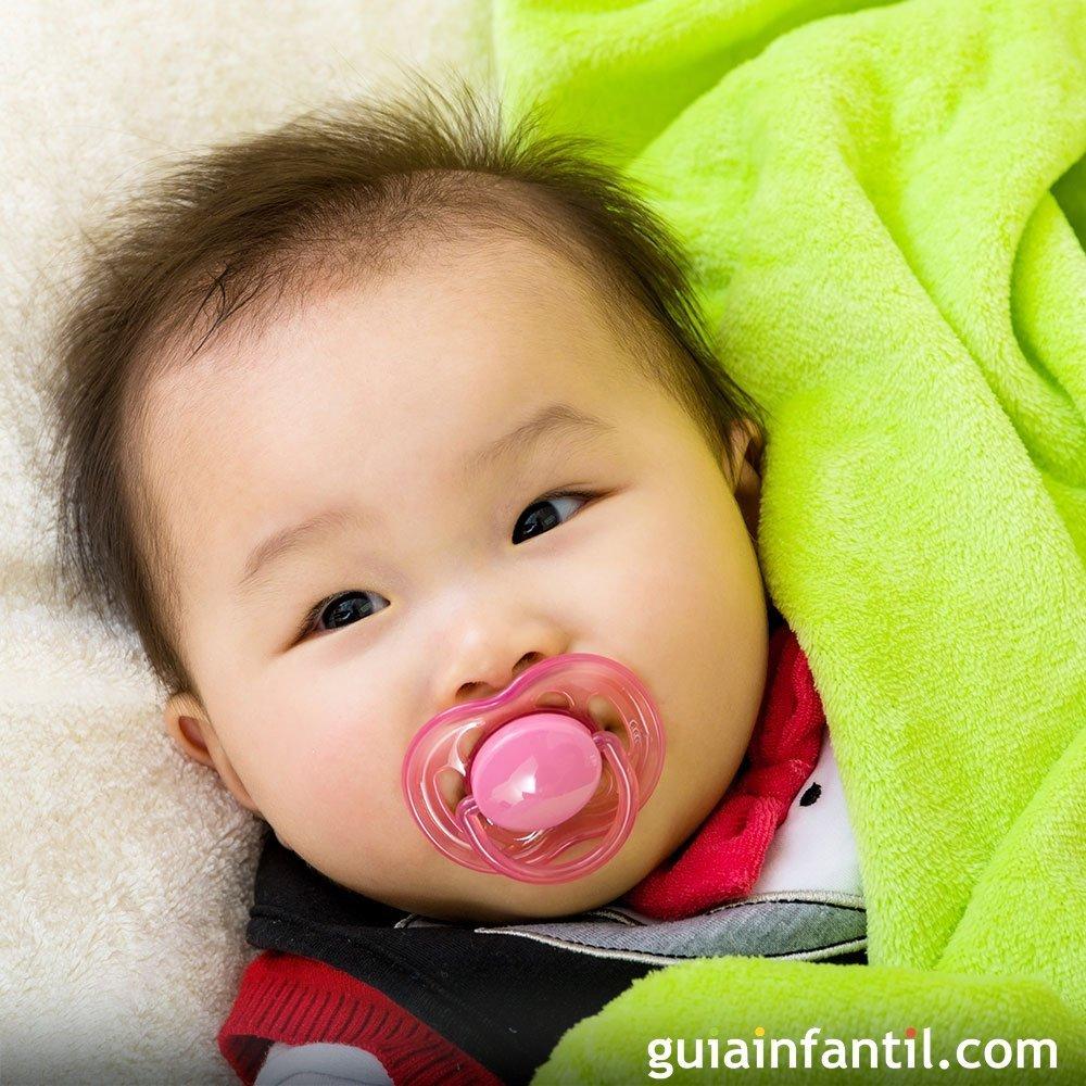 Mi bebe de 2 meses casi no duerme