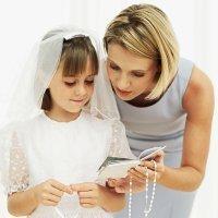 La Primera Comunión de niños y niñas