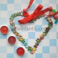 Corazón con piezas de puzzle. Manualidad infantil