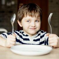 Normas de conducta de los niños en la mesa a la hora de comer