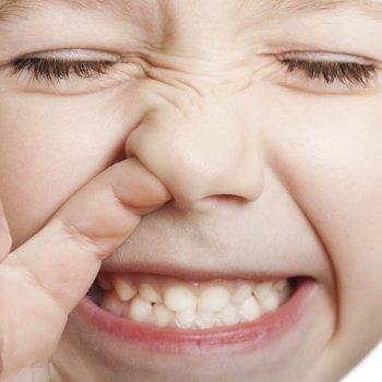 Hurgarse la nariz