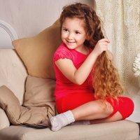 Enrollarse el pelo. Malos hábitos de los niños