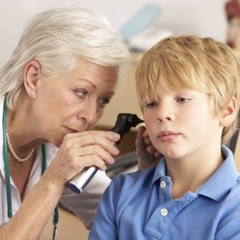 Cómo se diagnostica la sordera infantil