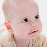 Bebés con la cabeza achatada. Plagiocefalia en bebés