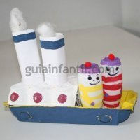 Barco hecho con cartón. Manualidades para niños