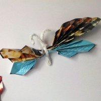 Mariposas con revistas. Manualidades para niños