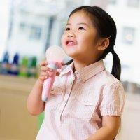 Los beneficios del karaoke para los niños