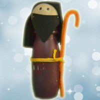 Figura de San José. Manualidades recicladas para decorar en Navidad