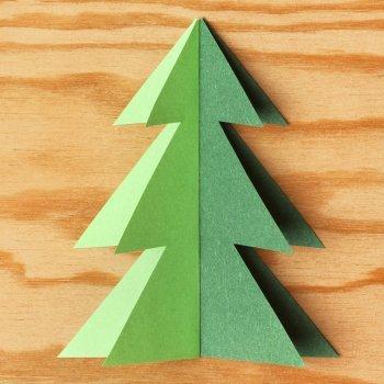 Hacer árboles de Navidad con los niños