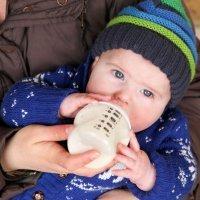 Cómo preparar un biberón a un bebé paso a paso