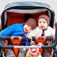 Cómo elegir un carrito para bebés gemelos