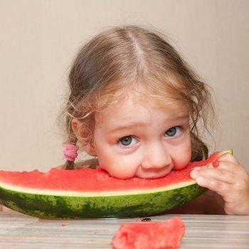 Qué aportan las frutas en la infancia
