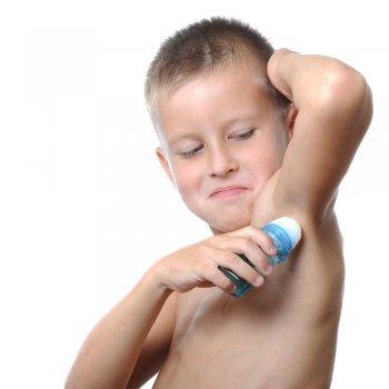 El olor corporal en los niños. Trucos para evitarlo