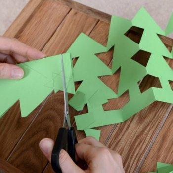 Guirnalda de árbol de Navidad. Manualidad para niños
