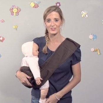 Llevar al bebé en un pouch
