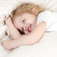 Niños que se levantan mucho por la noche