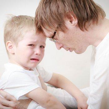 Cómo decirle al niño que ha muerto uno de sus padres