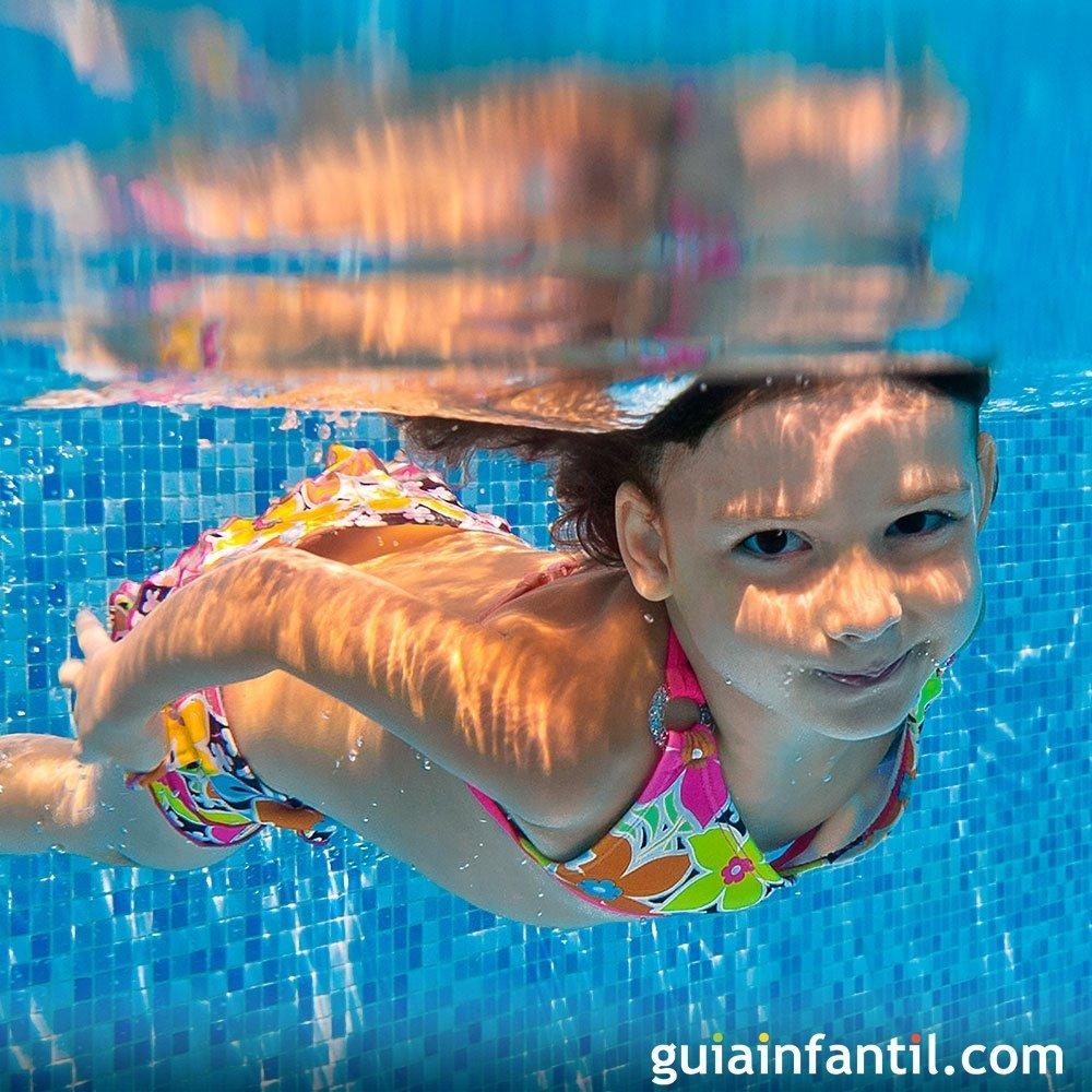C mo evitar la otitis de los ni os en la piscina for Piojos piscina