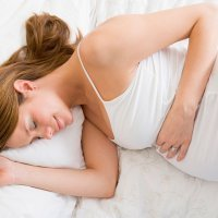 La mejor postura para dormir en el embarazo